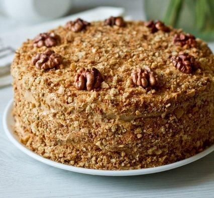 Вкуснейший торт с орехами и сгущенкой