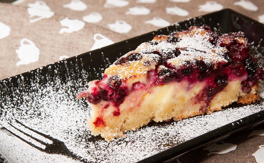 Песочный пирог с замороженными ягодами рецепт