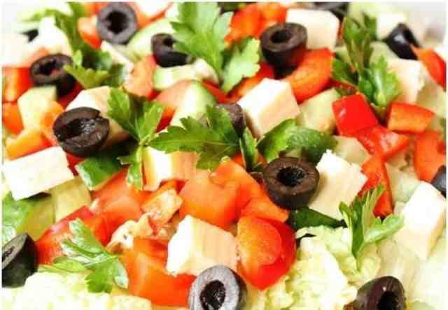 7 изумительных салатов без майонеза