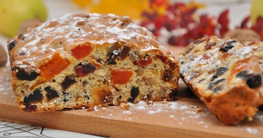 Потрясающий кекс из сухофруктов: теста мало, ягод - много