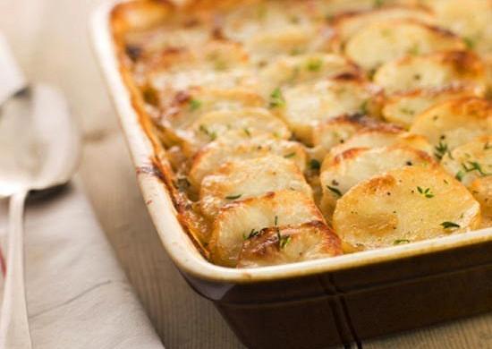 Аппетитный запечённый картофель с нежной курицей