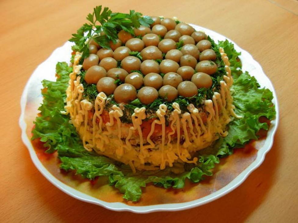 Вкуснейший салат «Грибная полянка»