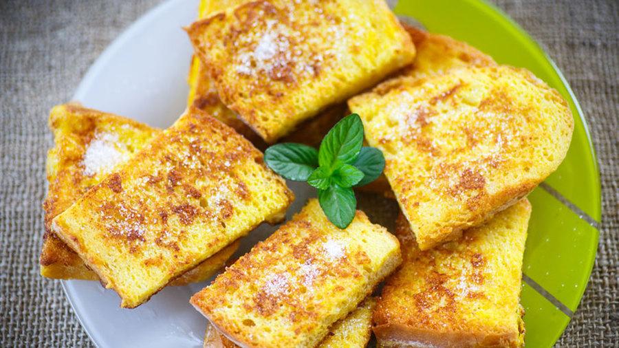 Гренки из батона с яйцом и молоком сладкие рецепт пошагово