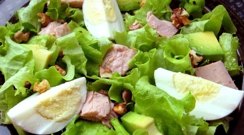 Нежнейший весенний салат с тунцом