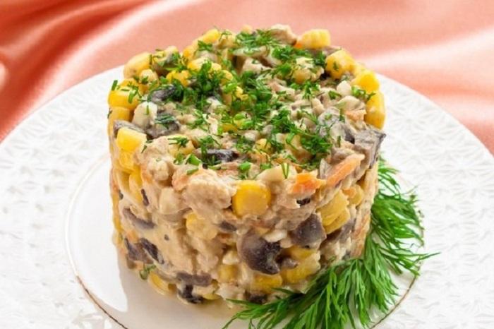 Салат из грибов и куриной грудки рецепты с простые и вкусные