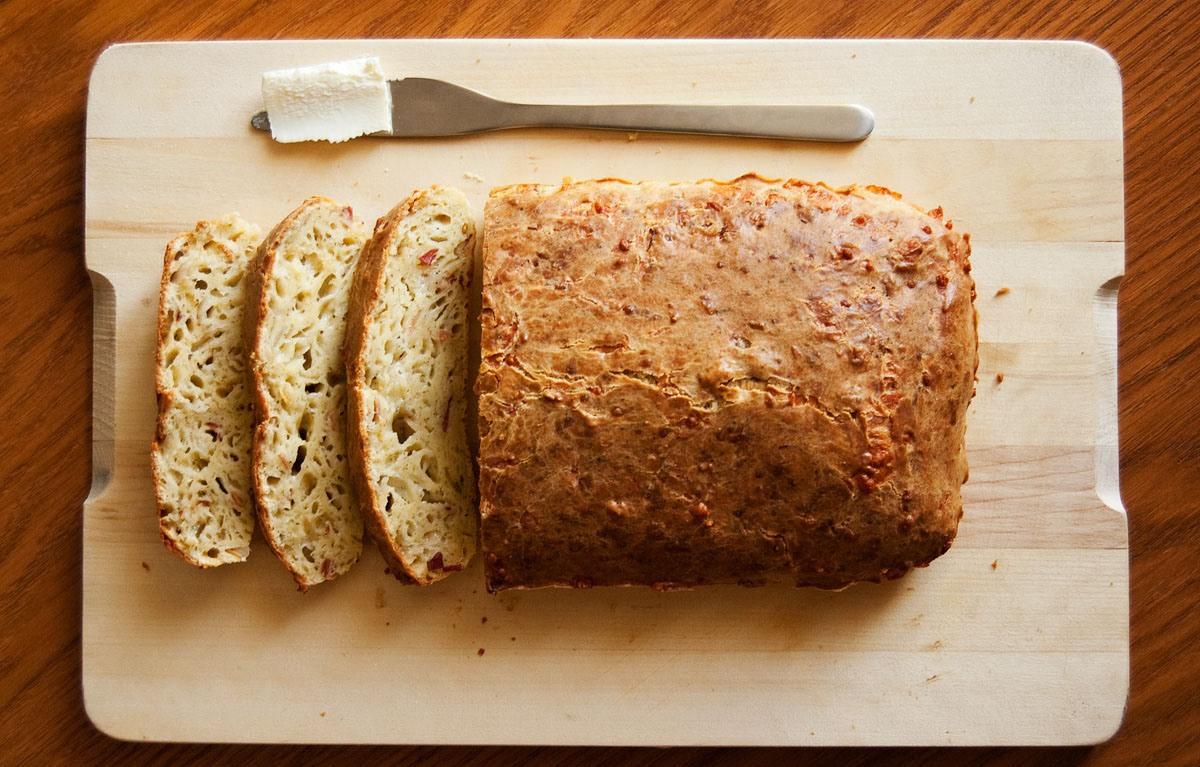 Ароматный сырный хлеб