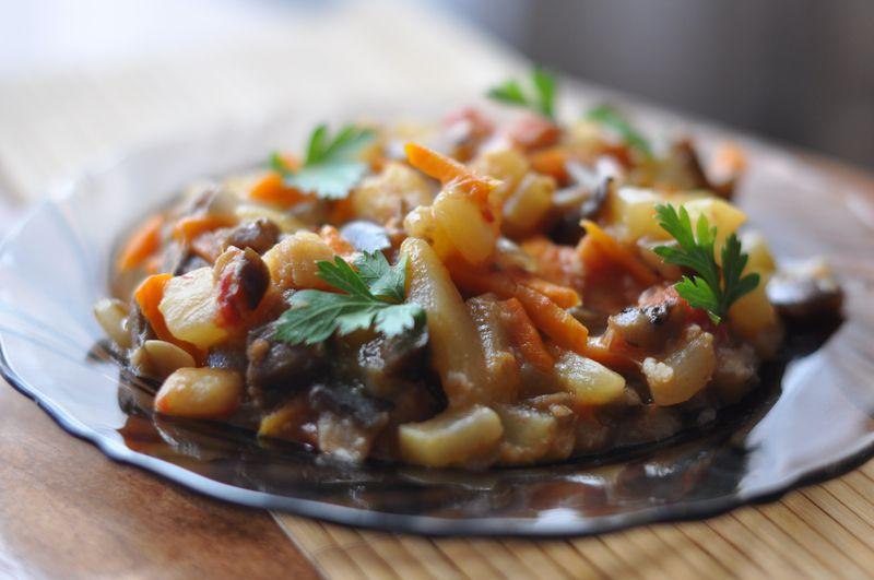 Диетическое овощное рагу с баклажанами и кабачком