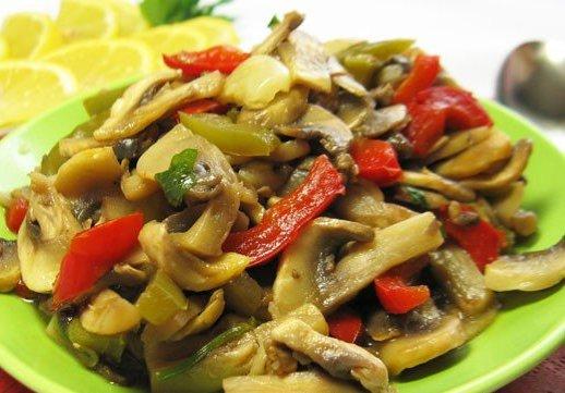 5 вкуснейших салатов с грибами