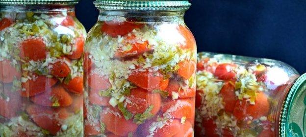 Фирменный рецепт маринованных помидоров с хреном