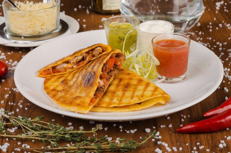Изумительная мексиканская «Кесадилья»
