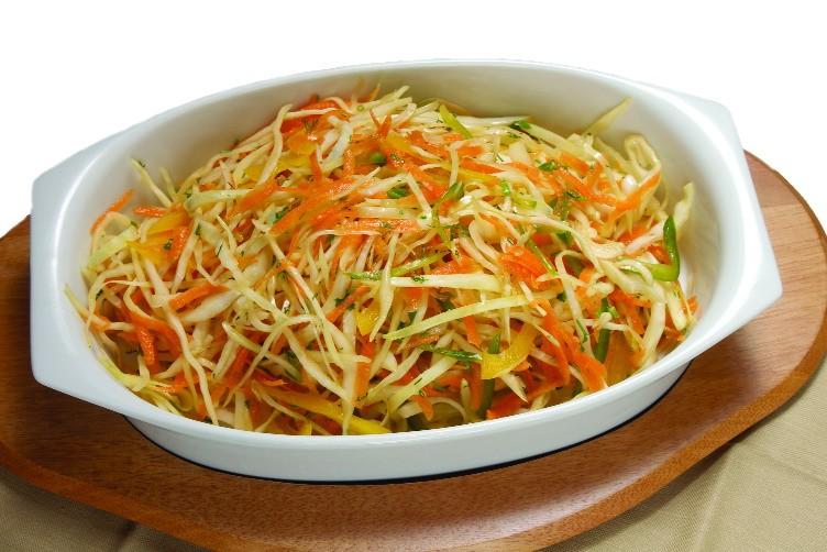 Легкий салат из айвы