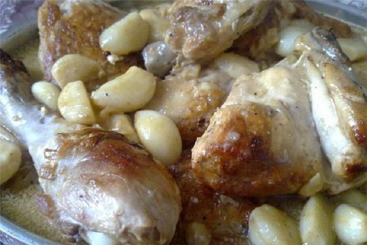 Очень вкусная курица в чесночном соусе