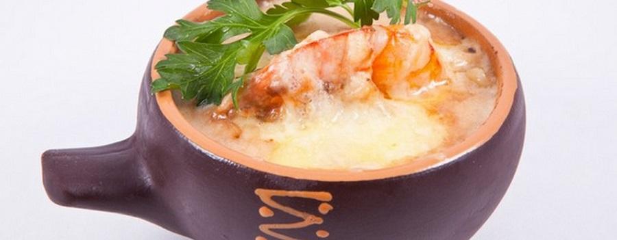 Оригинальный «Жюльен» с креветками в белом вине
