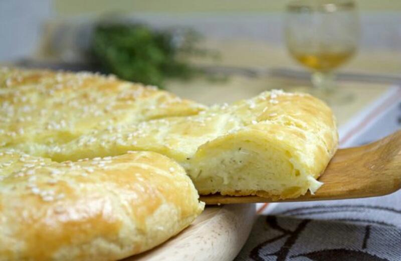 Безумно вкусная сырная лепешками на творожном тесте