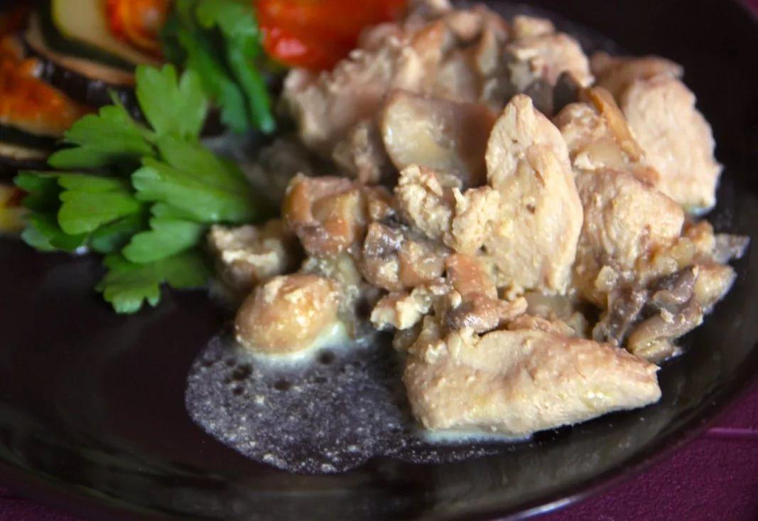 Вкуснейшее «Фрикасе» с куриным мясом и грибами