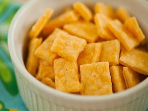 Вкусные сырные крекеры