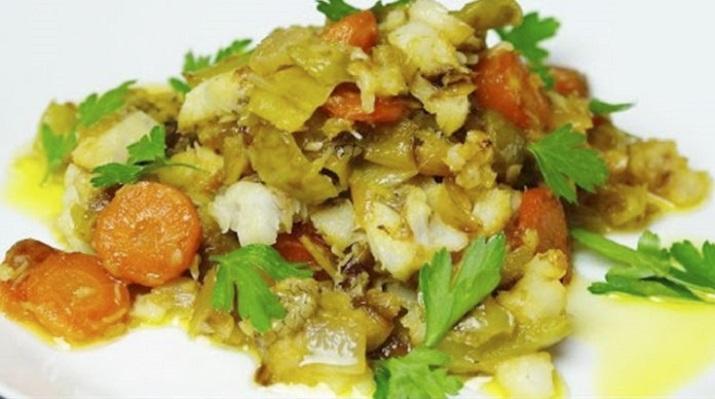 Экспресс рецепт: рыба с овощами на сковороде