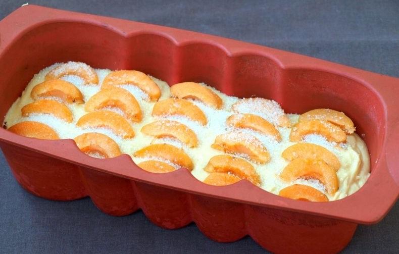Оригинальный кекс с шоколадом и абрикосом