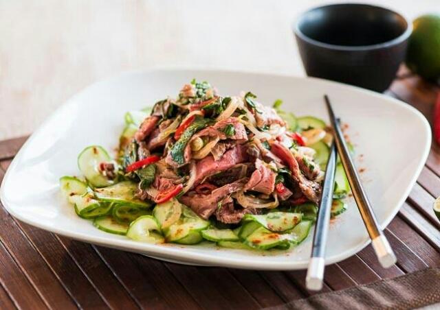 Вкуснейший тайский салат с говядиной