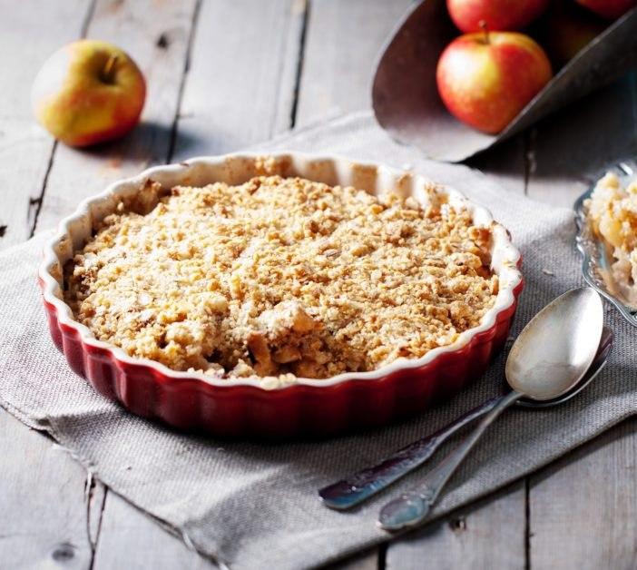 Яблочный крамбл – простой и вкусный десерт