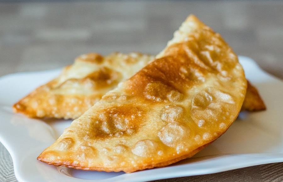 Ругувачки - чебуреки по-болгарски. Вкуснейшее блюдо