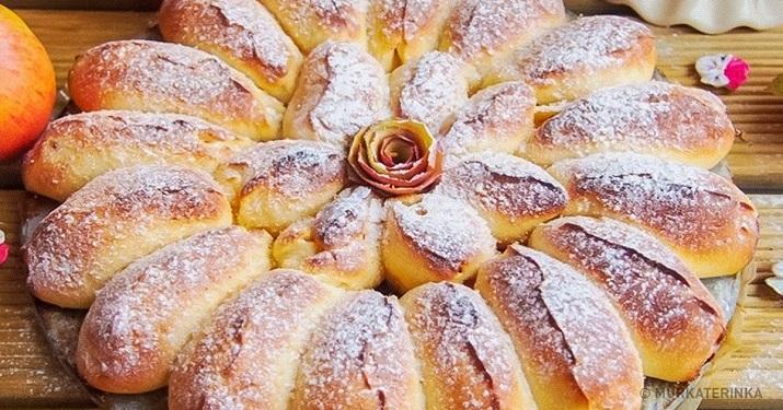 Отрывной пирог с нежными булочками-лепестками