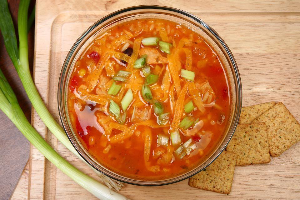 Восхитительный куриный суп с помидорами в мультиварке