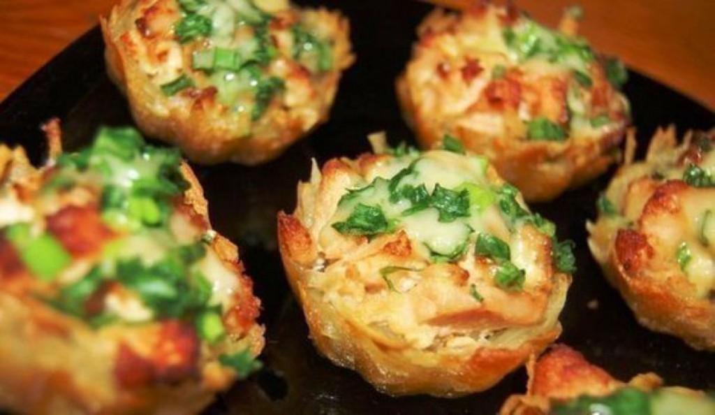 Картошка с курицей и грибами в форме розы