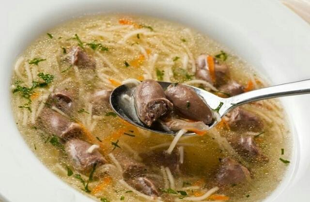 Аппетитный суп из куриных сердечек