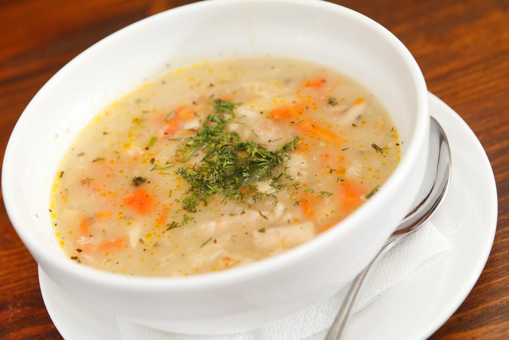 Греческий куриный суп-лучшее согревающее осеннее блюдо