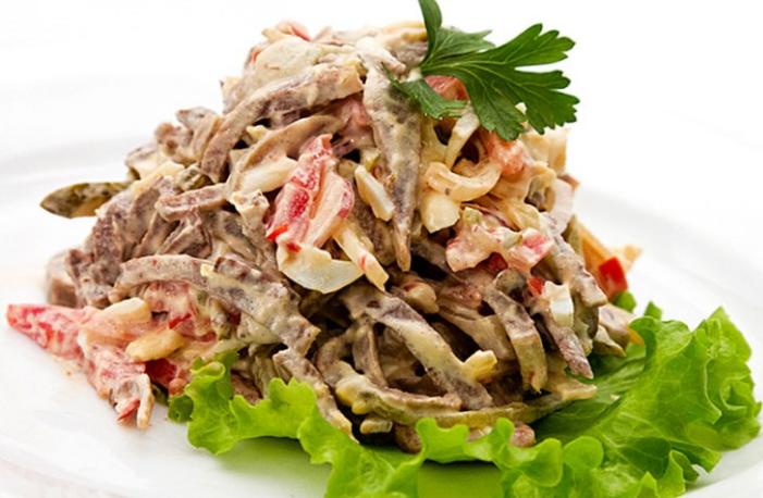 Вкусный и оригинальный салат с языком