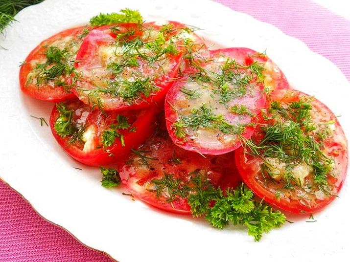 Маринованные помидоры: яркая закуска для любого стола