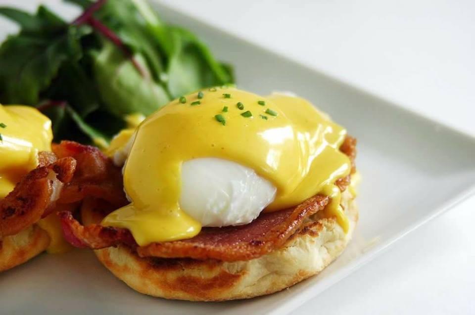 Яйца бенедикт-новый взгляд на привычные блюда с яйцами