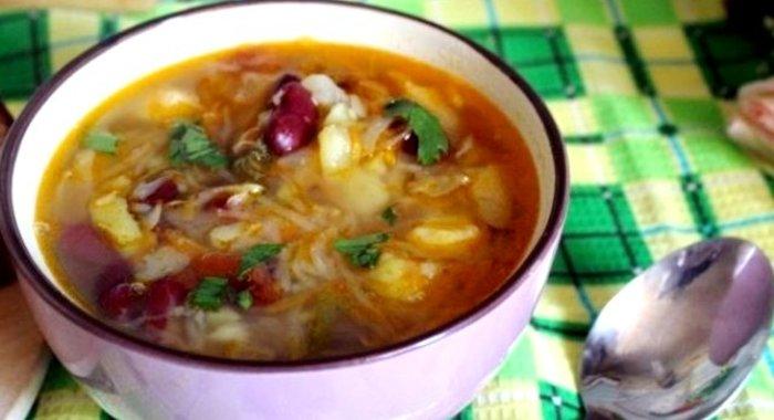 Вкусный обед - щи с фасолью и тыквой