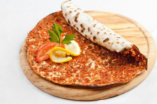 """Потрясающая пицца с фаршем """"Лахмаджун"""""""