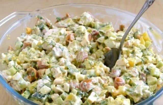 Супер салатик с маринованными опятами: один из моих любимчиков