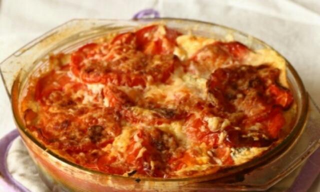 Аппетитная цветная капуста с помидорами в духовке
