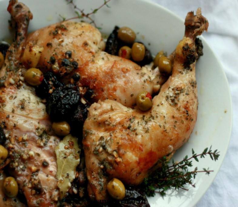 Простое и полезное блюдо к ужину-курица с черносливом
