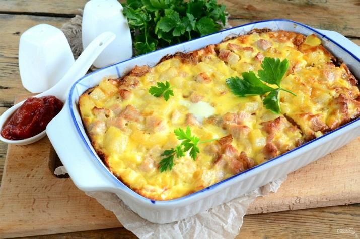 Запеканка из картофеля курицы и помидоров