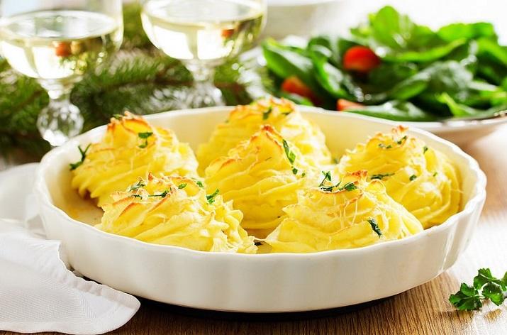 Очень вкусный картофель с грибами: оригинальное оформление