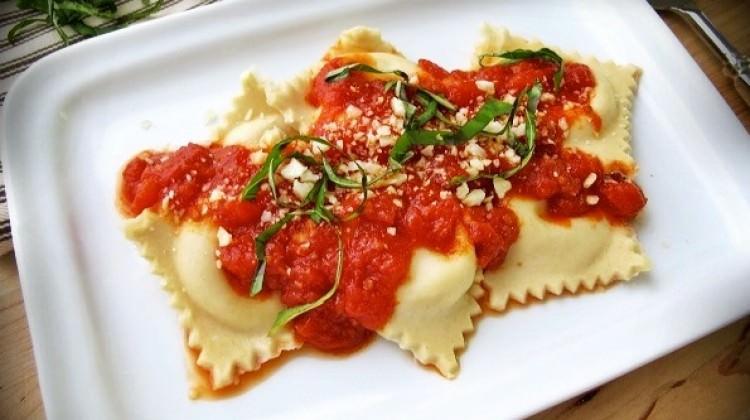 Изысканные итальянские равиоли с мясом и сыром