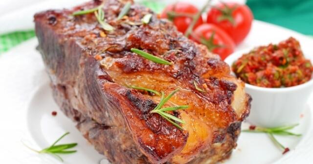 Бесподобная телятина, маринованная в найвкуснейшем маринаде и запеченная в духовке