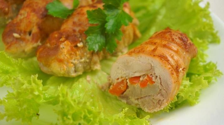 Куриные рулетики в духовке: нежнее и вкуснее просто не бывает
