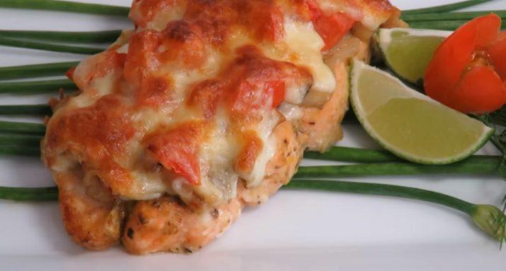 Нежнейшая рыба с грибами и сыром в духовке