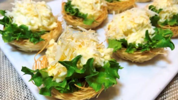 Оригинальная праздничная закуска: тарталетки с сыром