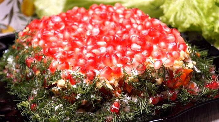Шикарный салат на новогодний стол: красота неописуемая