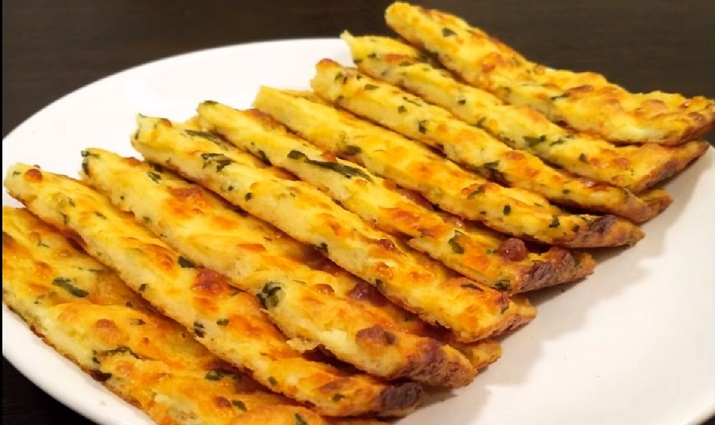 Отличная закуска за 5 минут из сыра (плюс время на запекание)