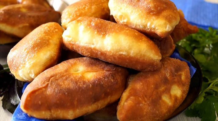 Вкусные пирожки на кефирном тесте с интересной начинкой