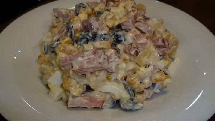Вкусный и нежный салат с ветчиной «Пятерочка»