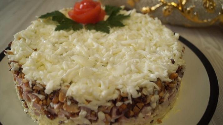 Нежный салат на праздничный стол «Снежная королева»